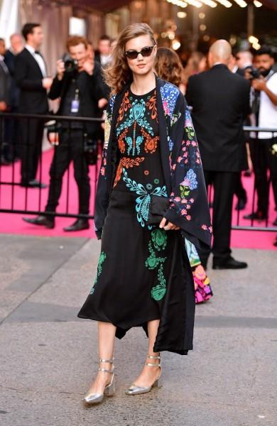 kimono-khuynh-dao-phong-cach-he-thu-1.jpg