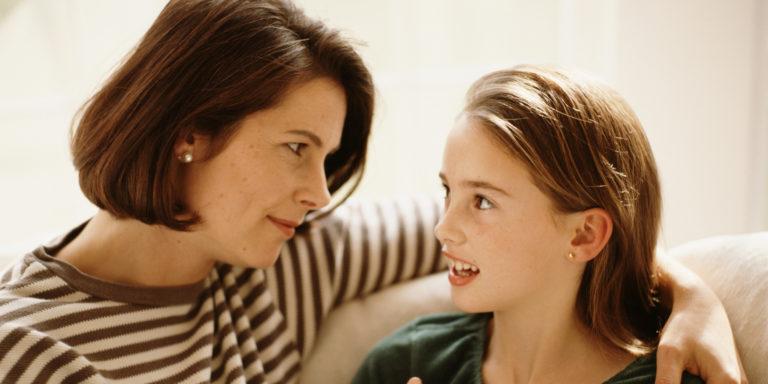 o-kid-and-parent-talking-facebook-768x384.jpg