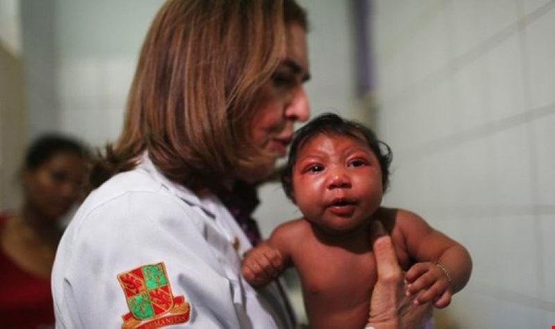dr-angela-rocha-and-baby-ludmilla-who-has-microcephaly-1455491210_FQIZ.jpg.jpg