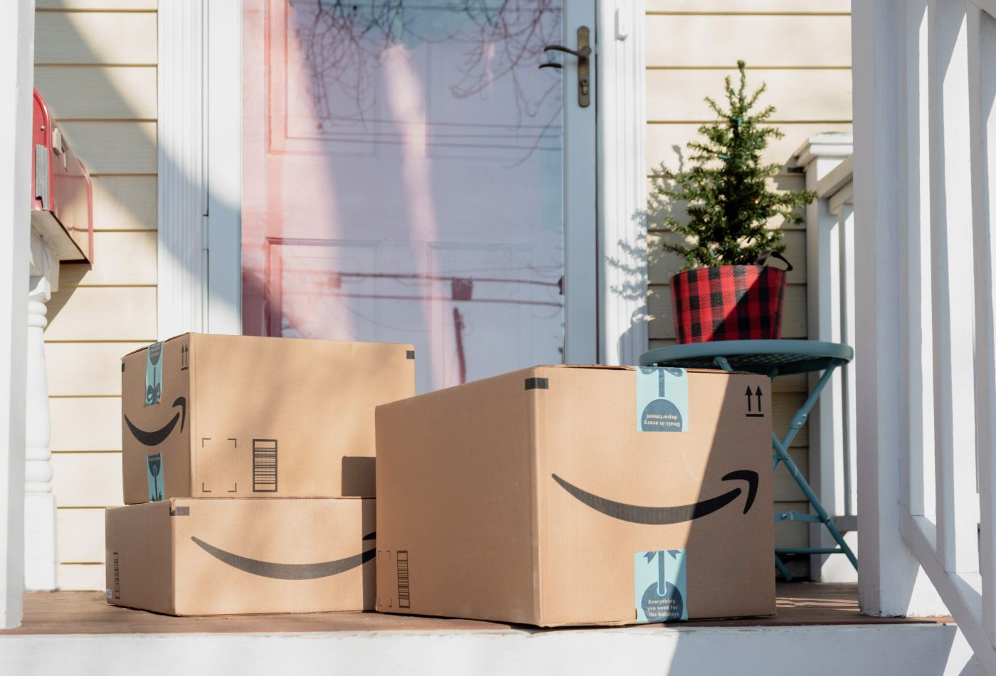 105910365-1557774083962holiday-packages-delivered-to-the-front-porch-online-shopping-retail-christmas-shopping_t20_1qxzpn.jpg