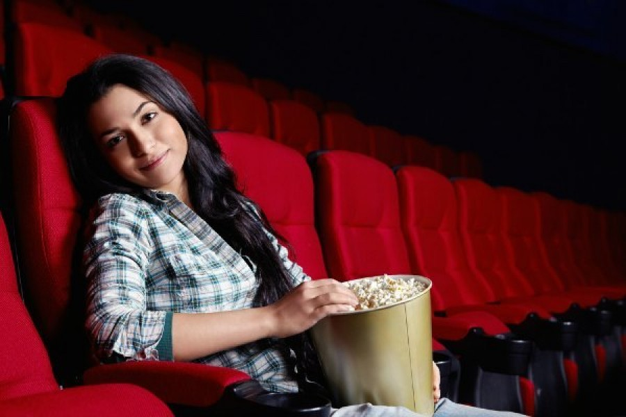 is-it-okay-to-go-to-movies-alone-830898725-oct-16-2012-1-600x400.jpg