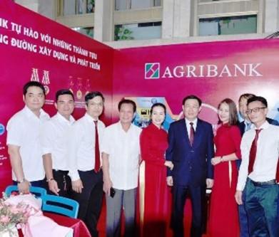 agribank-ng-vn-dung-hang-vn.jpg
