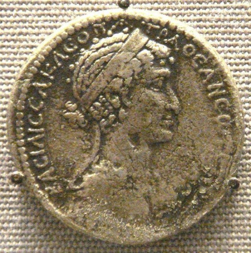 Hnh-Cleopatra-trn-ng-tin-c-ti-Syria..jpg
