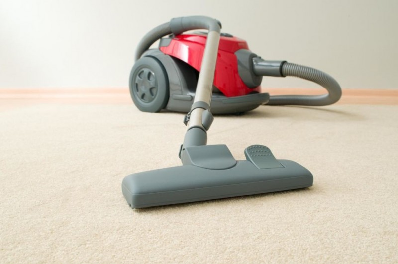 gallery-1467921420-cleaning-mistakes-vacuum-1467951220-width980height650.jpg