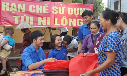 di-cho-bang-lan-nhua-n3-1525179799-width1000height600.jpg