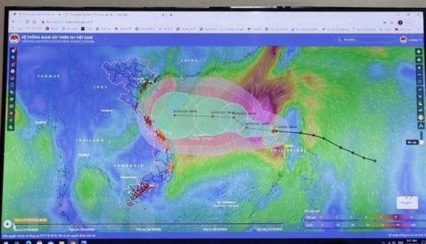 Chủ động ứng phó với bão số 8 và tập trung cứu trợ đồng bào miền Trung - Ảnh 1.