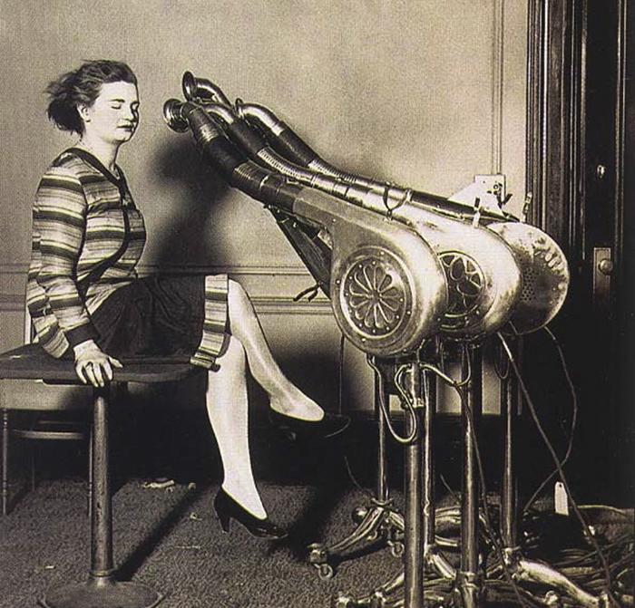 Té ngửa với các trào lưu làm đẹp hồi xưa của chị em phụ nữ - Ảnh 19.