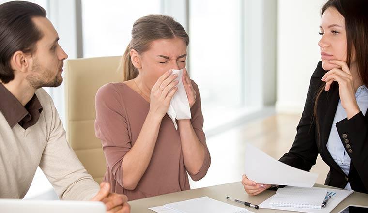 Bệnh cảm cúm có lây không? Lây nhiễm qua đường nào? - Ảnh 1.