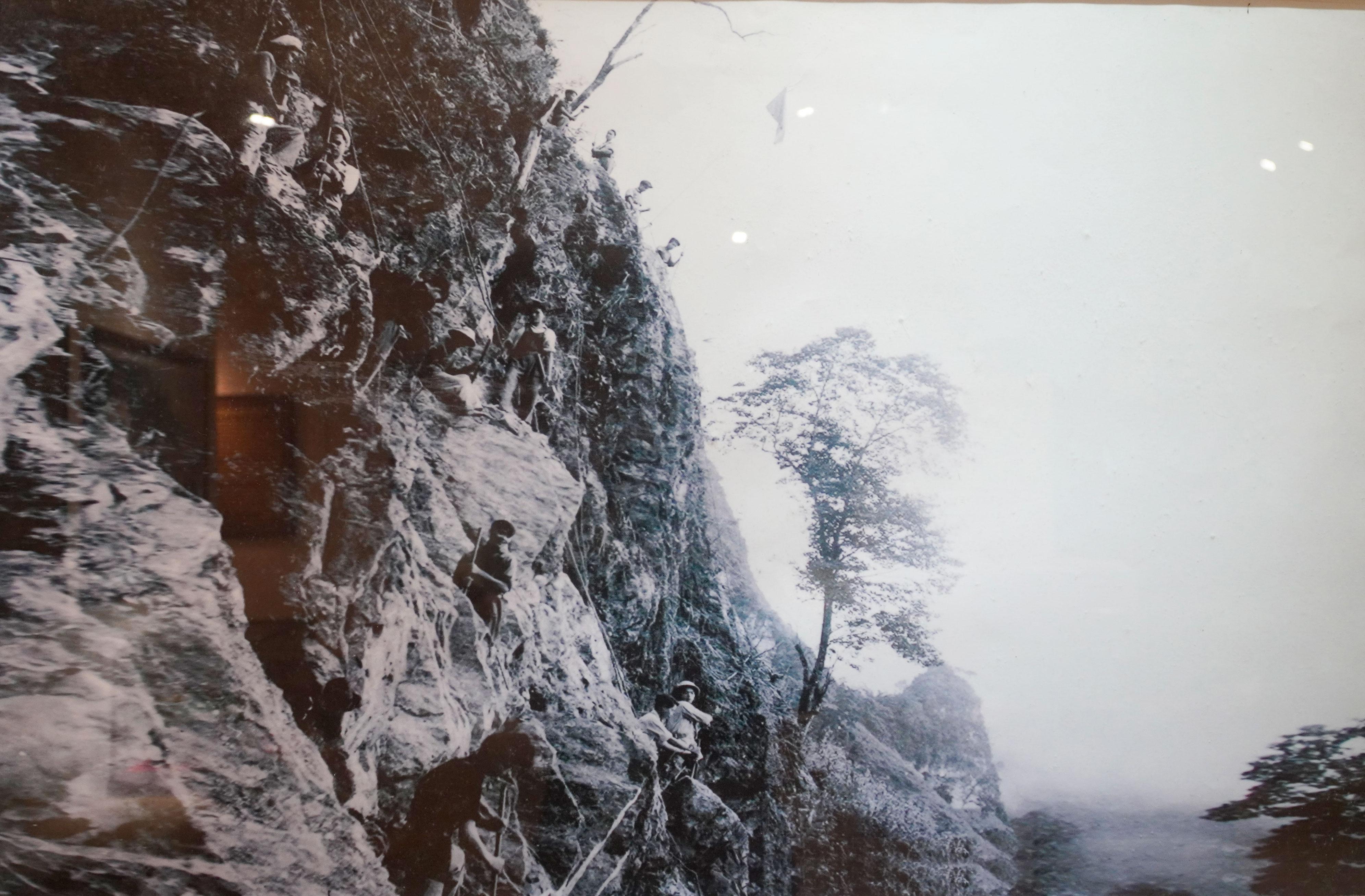 Con đường Hạnh phúc dài gần 200km, một tượng đài bất tử của đại đoàn kết dân tộc - Ảnh 11.