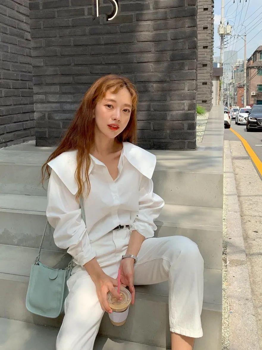 12 set đồ đáng chú ý từ hội gái Hàn mà nàng công sở có thể áp dụng đến ở làm - Ảnh 2.