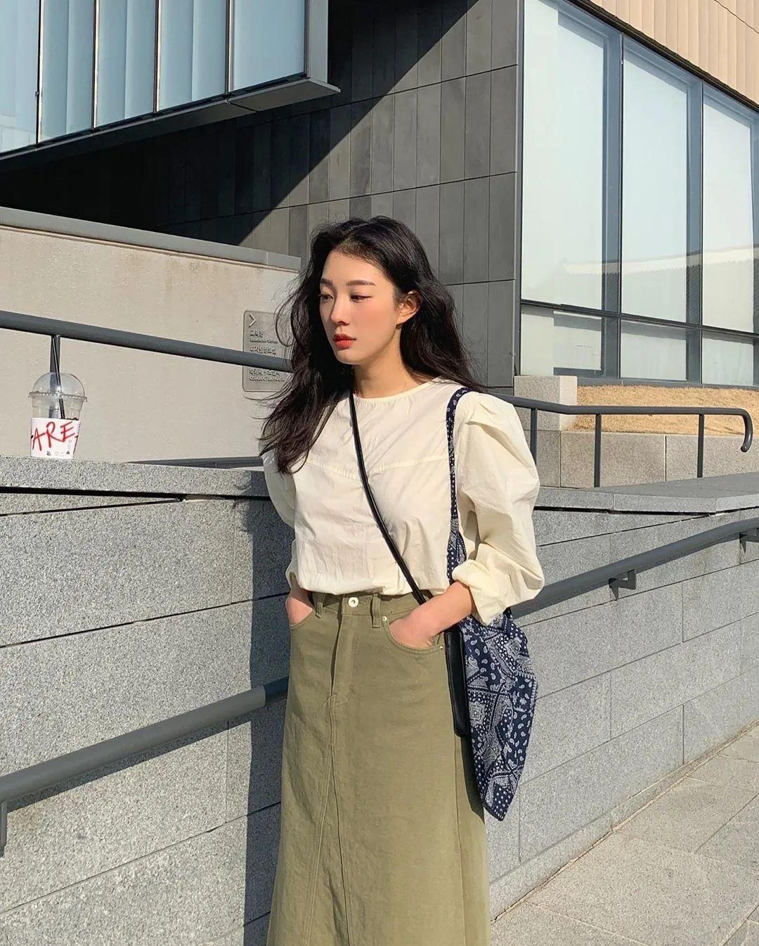 12 set đồ đáng chú ý từ hội gái Hàn mà nàng công sở có thể áp dụng đến ở làm - Ảnh 5.