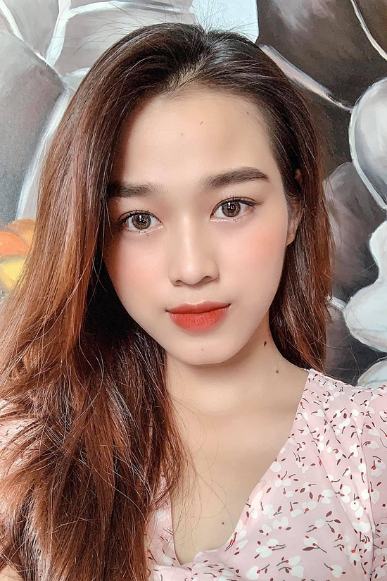 Nhan sắc đời thường trong trẻo của Hoa hậu Việt Nam 2020 Đỗ Thị Hà - Ảnh 8.