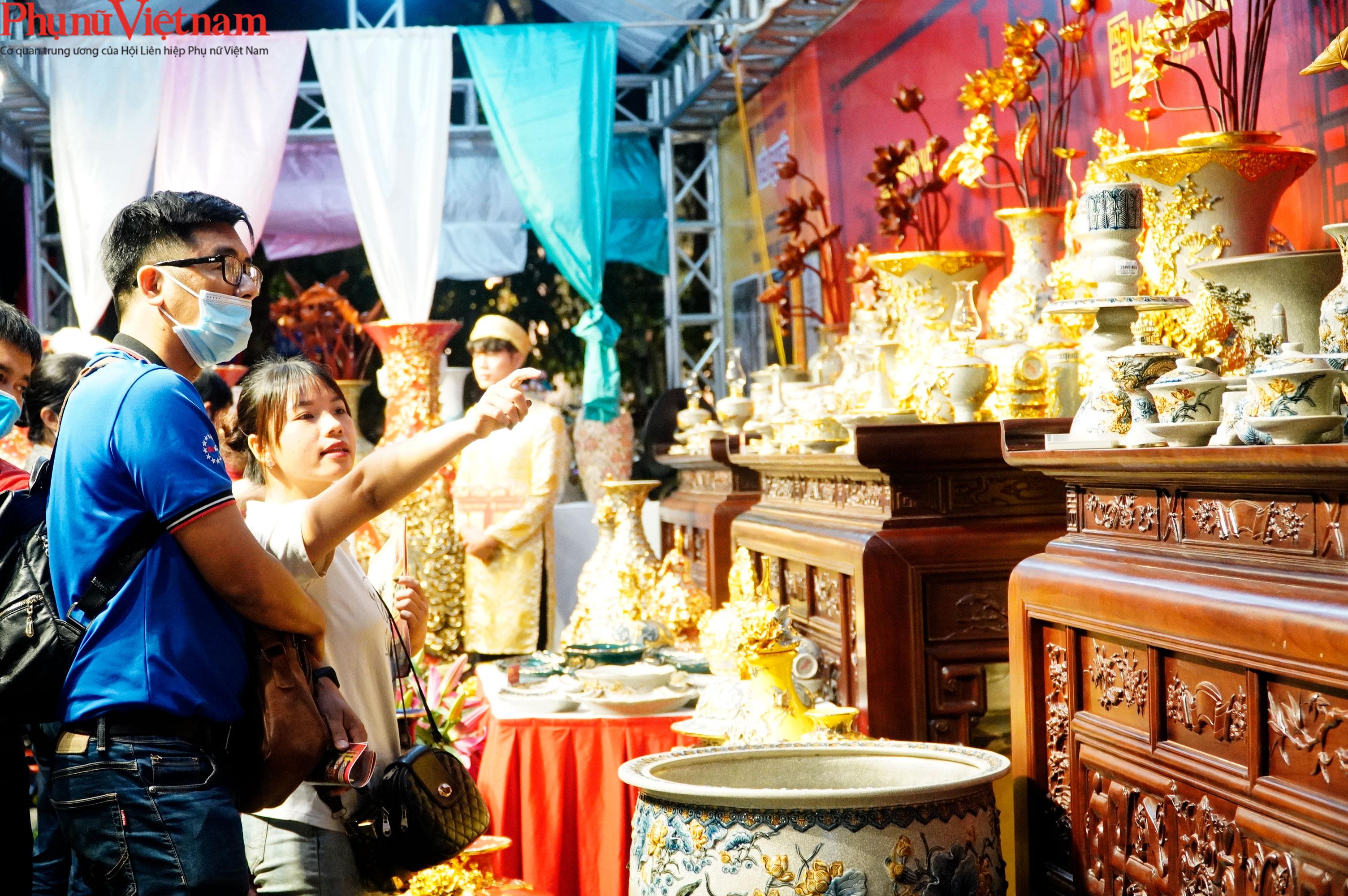 Phụ nữ Hà Nội giao lưu văn hóa, du lịch và sản phẩm sáng tạo với các tỉnh thành thuộc Đồng bằng sông Hồng - Ảnh 14.