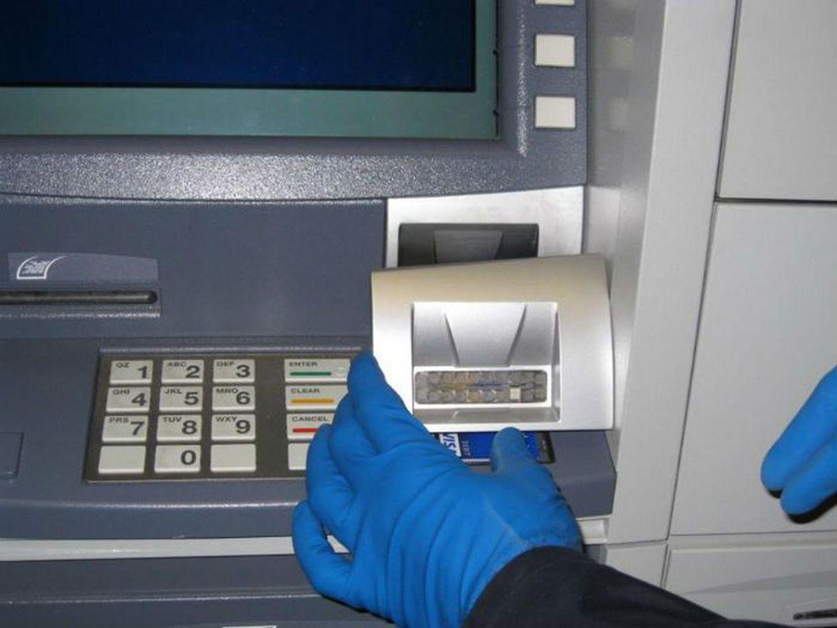 Cảnh giác thẻ tín dụng giả: Những thông tin quan trọng cần nắm vững và cách phân biệt nhanh chỉ trong vài dấu hiệu đơn giản - Ảnh 2.