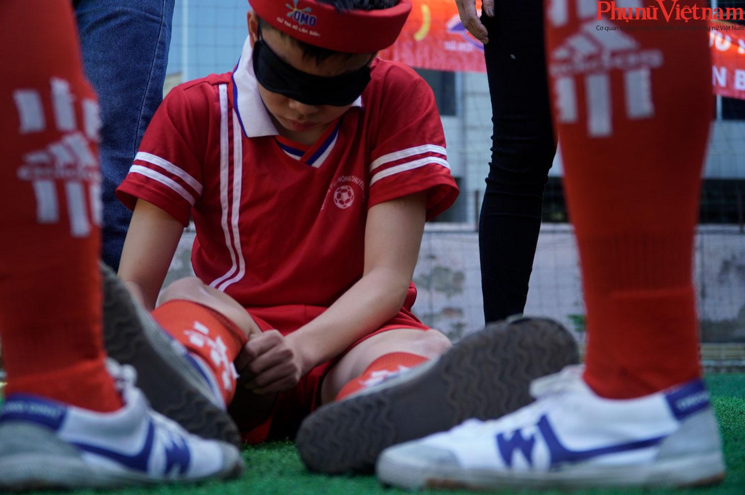 """Trận bóng đá đặc biệt của những đứa trẻ """"đá bóng bằng tai""""  - Ảnh 22."""