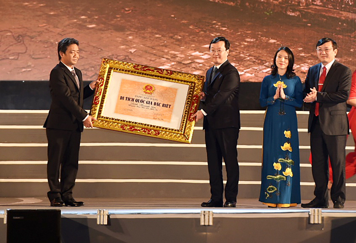 Chủ tịch QH Nguyễn Thị Kim Ngân dự lễ kỷ niệm 990 năm Danh xưng Nghệ An - Ảnh 4.