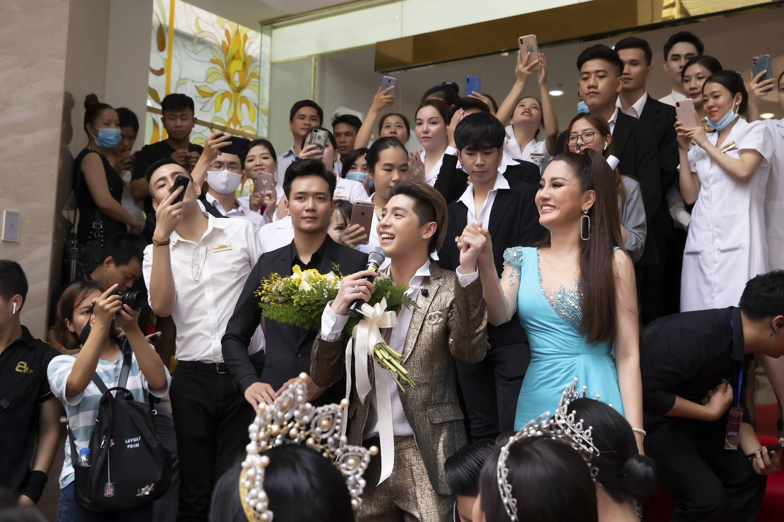 Bệnh viện thẩm mỹ Xuân Hương tặng quà khủng trong ngày khai trương tại TP Hồ Chí Minh - Ảnh 4.