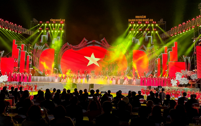 Chủ tịch QH Nguyễn Thị Kim Ngân dự lễ kỷ niệm 990 năm Danh xưng Nghệ An - Ảnh 1.