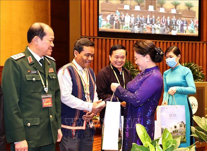 Chủ tịch Quốc hội Nguyễn Thị Kim Ngân gặp mặt đoàn đại biểu dân tộc thiểu số - Ảnh 2.