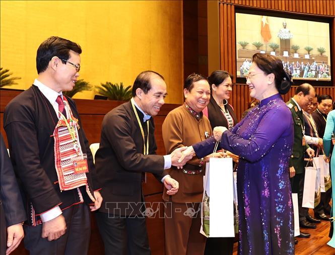 Chủ tịch Quốc hội Nguyễn Thị Kim Ngân gặp mặt đoàn đại biểu dân tộc thiểu số - Ảnh 3.