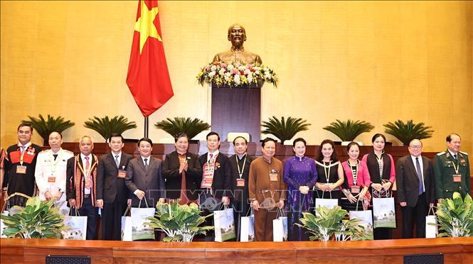 Chủ tịch Quốc hội Nguyễn Thị Kim Ngân gặp mặt đoàn đại biểu dân tộc thiểu số - Ảnh 4.