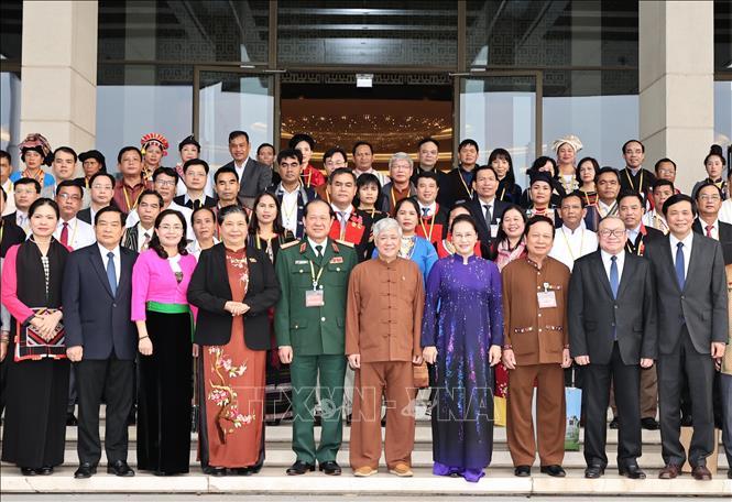 Chủ tịch Quốc hội Nguyễn Thị Kim Ngân gặp mặt đoàn đại biểu dân tộc thiểu số - Ảnh 5.