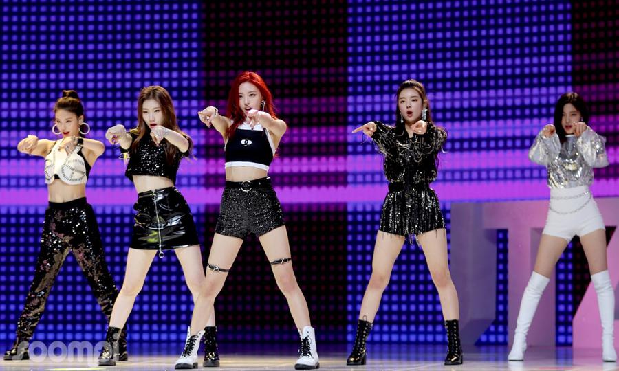 Đa số các nữ idol Kpop đều đánh phấn hồng lên đầu gối: Tưởng chỉ làm điệu ai ngờ nguyên nhân khiến ai cũng đau lòng  - Ảnh 1.