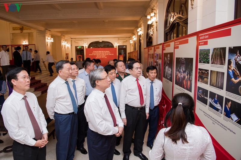 Trao giải thưởng sáng tác về chủ đề học và làm theo Bác Hồ giai đoạn 2018 - 2020 - Ảnh 13.