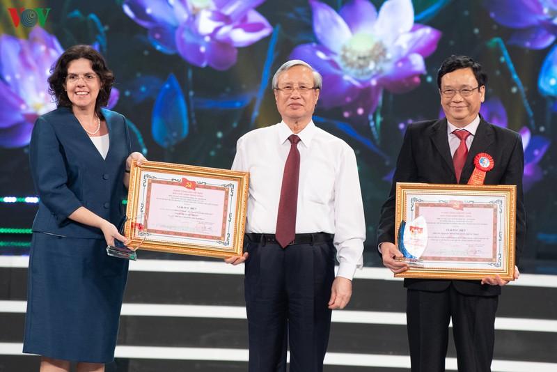 Trao giải thưởng sáng tác về chủ đề học và làm theo Bác Hồ giai đoạn 2018 - 2020 - Ảnh 6.