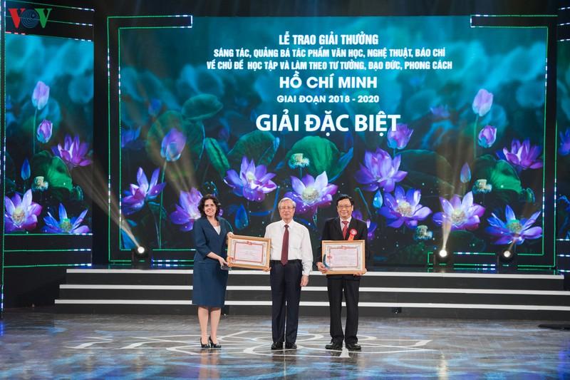 Trao giải thưởng sáng tác về chủ đề học và làm theo Bác Hồ giai đoạn 2018 - 2020 - Ảnh 5.