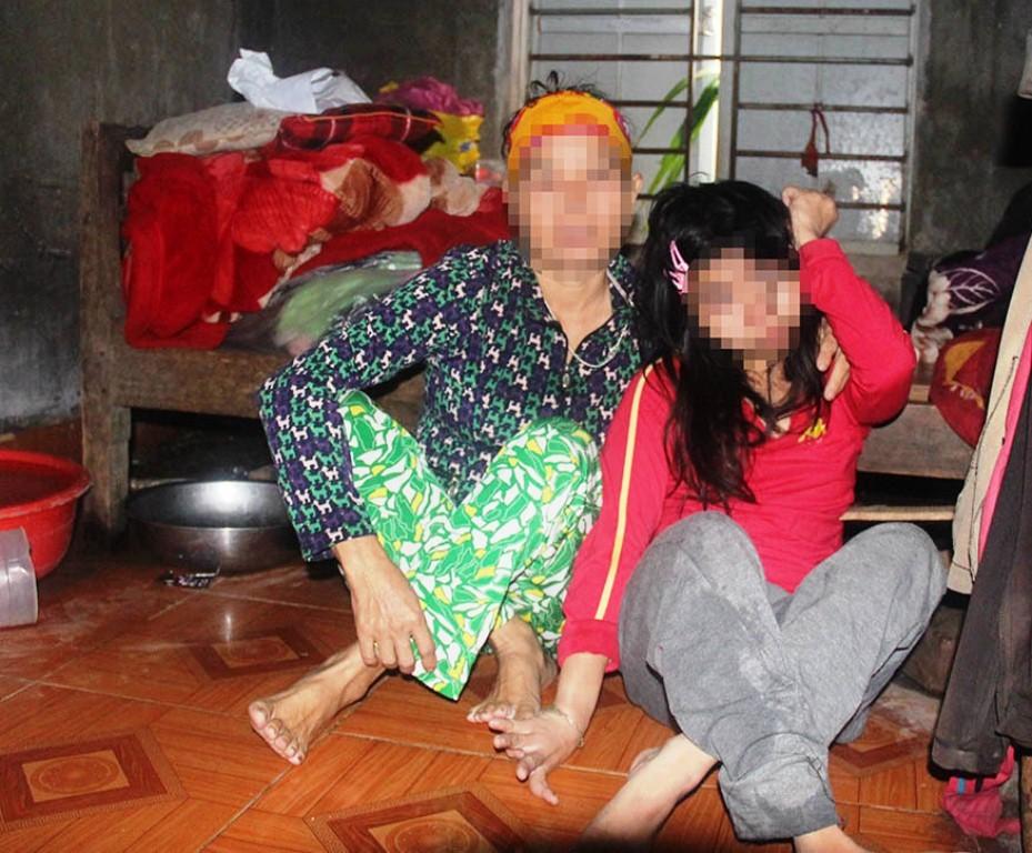Góa phụ đội đơn tìm công lý cho con gái tật nguyền bị hàng xóm hiếp dâm - Ảnh 3.