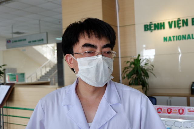 2 bệnh nhân Covid-19 ở Thái Bình chuyển lên BV Bệnh Nhiệt đới TƯ bị tổn thương phổi - Ảnh 1.