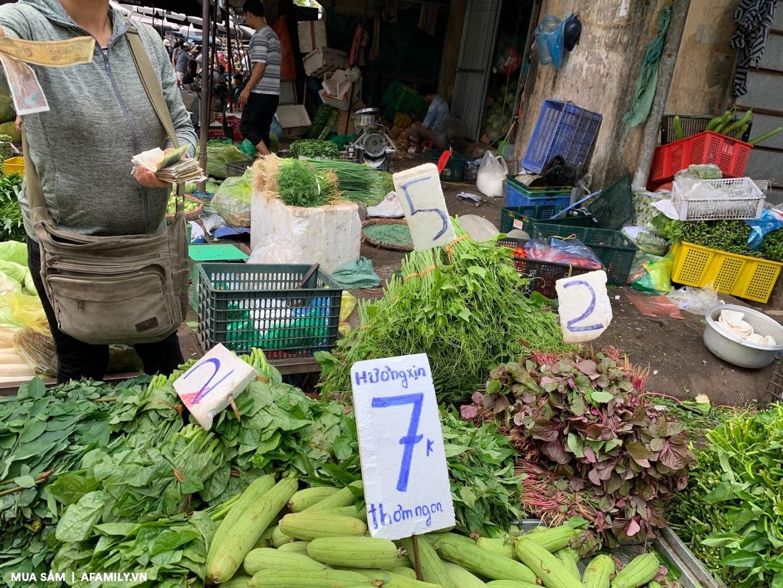 Đi chợ mấy ngày này cực đã, bà nội trợ cầm 10.000 đồng đủ rau xanh ăn cả ngày cho gia đình - Ảnh 5.
