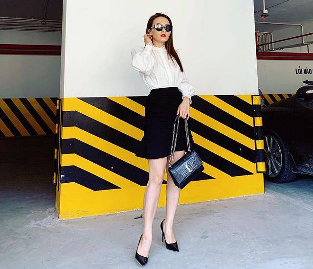 Lên sóng mặc đủ kiểu váy áo,nhưng cứ bên chồng, Bảo Thanh chỉ diện mỗi style cô vợ xì tin - Ảnh 1.