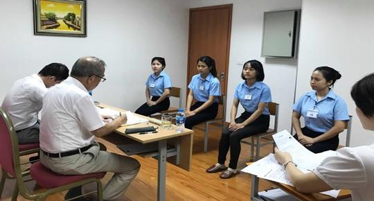 Cần biện pháp hỗ trợ bảo vệ người lao động nữ làm việc ở nước ngoài - Ảnh 3.