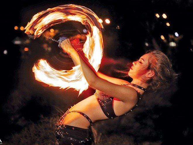 Góc khuất ít biết của nữ diễn viên múa lửa: Lý do phải mặc sexy, không dám yêu đương - Ảnh 7.