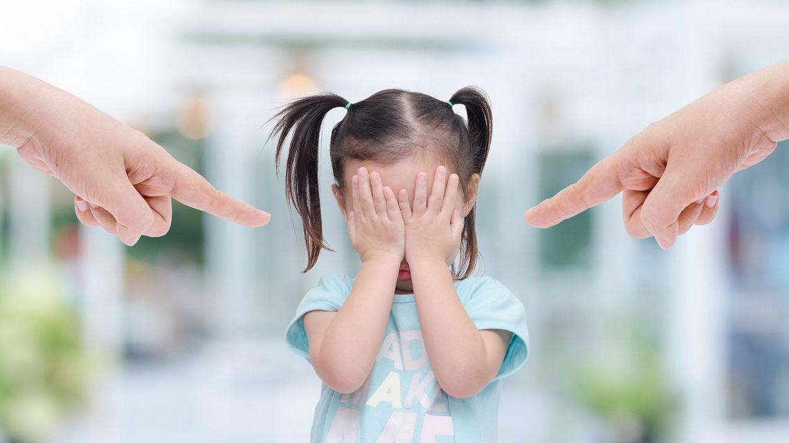Hậu quả khôn lường từ những hình phạt sai lầm mà bố mẹ nào cũng mắc phải khi nuôi dạy con - Ảnh 2.