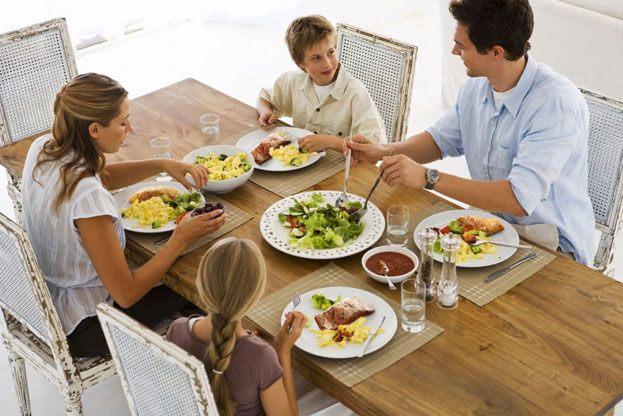 """Những phép lịch sự trên bàn ăn hay bị nhiều người """"quên"""" mất - Ảnh 4."""