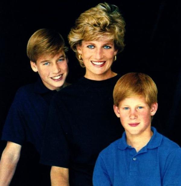 Giữa lúc em trai và em dâu bỏ đi, Hoàng tử William  đau lòng khi nhớ về Công nương Diana - Ảnh 2.
