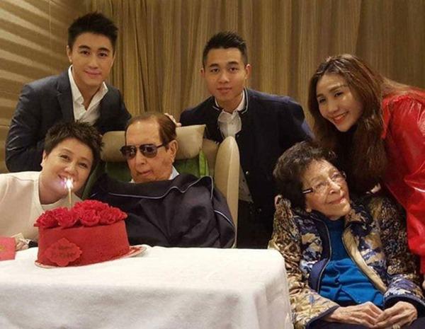 """Con cái mải mê ăn chơi, hẹn hò Hoa hậu trong lúc ông bố """"vua sòng bài Macau"""" qua đời - Ảnh 5."""