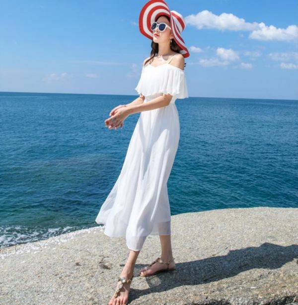 Chẳng cần bikini khoe da thịt, Chi Pu vẫn gợi cảm với đường cong lấp ló nhờ kiểu váy này - Ảnh 10.