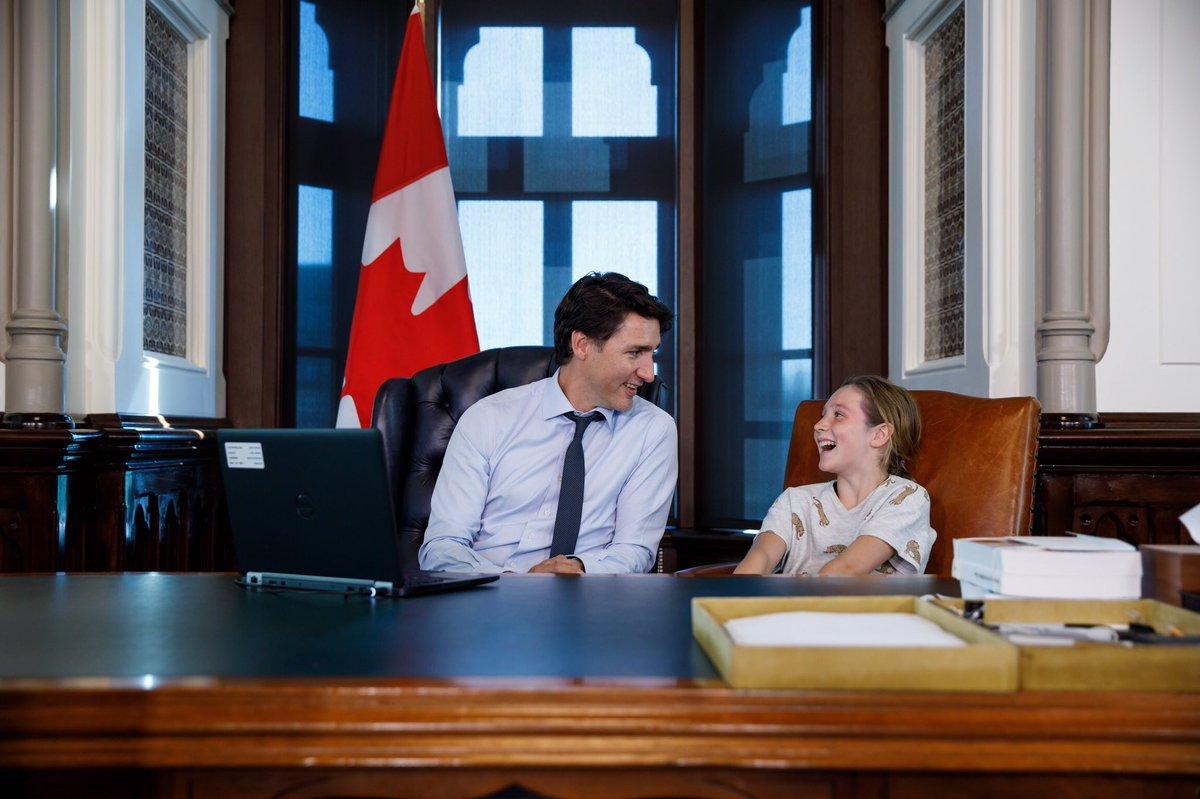 """""""Ủng hộ nữ quyền!"""" - Lời khuyên sâu sắc của thủ tướng Canada dành cho bố mẹ đang tìm cách để nuôi dạy con trai trở thành những quý ông thực thụ trong tương lai - Ảnh 2."""