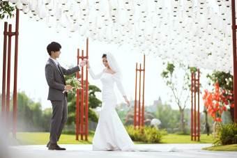 Ngất ngây bộ ảnh cưới đẹp như mơ tại vườn Nhật Bản Vinhomes Smart City - Ảnh 3.
