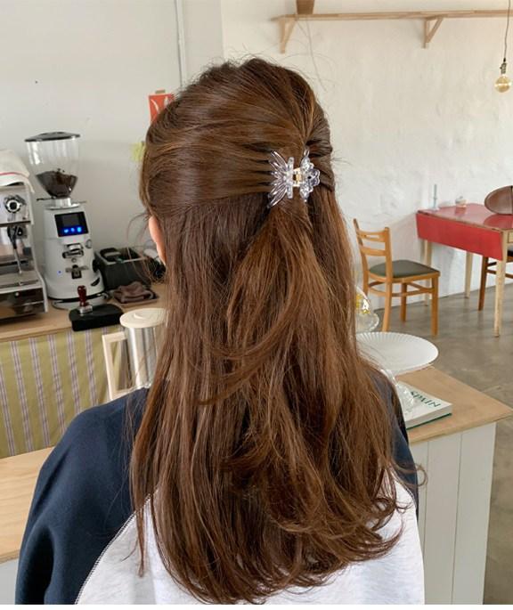 4 món phụ kiện tóc thời xưa ơi là xưa nhưng hè này diện lên lại sành điệu vô cùng - Ảnh 15.
