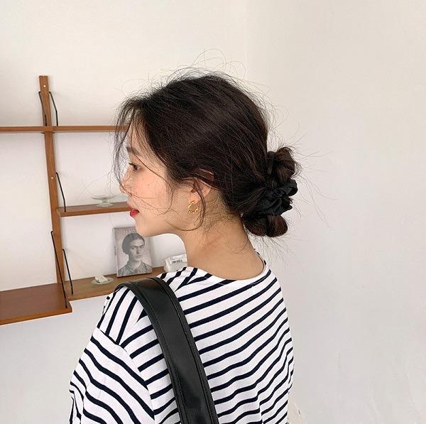 4 món phụ kiện tóc thời xưa ơi là xưa nhưng hè này diện lên lại sành điệu vô cùng - Ảnh 4.