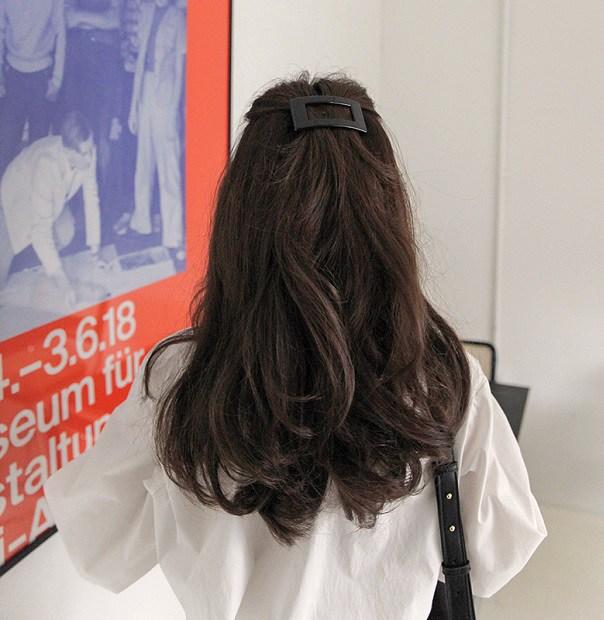 4 món phụ kiện tóc thời xưa ơi là xưa nhưng hè này diện lên lại sành điệu vô cùng - Ảnh 17.
