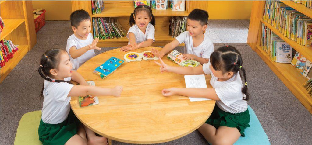 """Review 4 trường mầm non xịn xò tại Hà Nội áp dụng phương pháp Montessori, dành cho bố mẹ đang chuẩn bị cho con """"đi bộ đội""""  - Ảnh 12."""