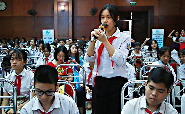 Lắng nghe trẻ giãi bày về áp lực học tập và nguy cơ bị xâm hại - Ảnh 1.