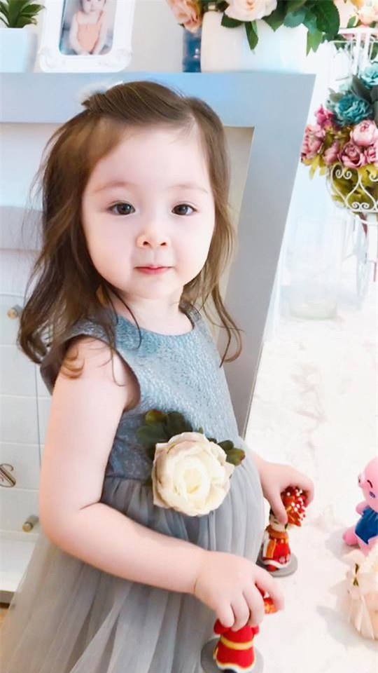 Lâu lắm Elly Trần mới khoe hình con gái, ai ngờ Cadie Mộc Trà đã điệu như nàng thơ - Ảnh 17.