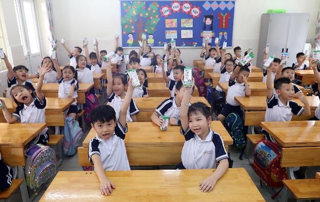 Thêm nhiều niềm vui đến lớp cho trẻ với giờ uống sữa học đường - Ảnh 1.